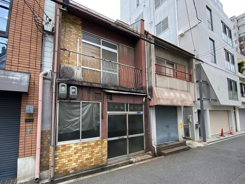 駅徒歩5分10坪の土地 長屋の一角 親から相続した小さな家などの例